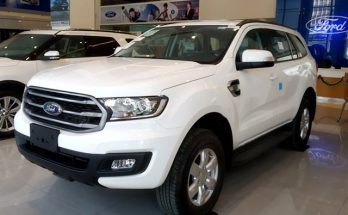 Ford-Everest-2.0L-4×2-MT-Ambiente-co-gia-la-999-trieu-dong