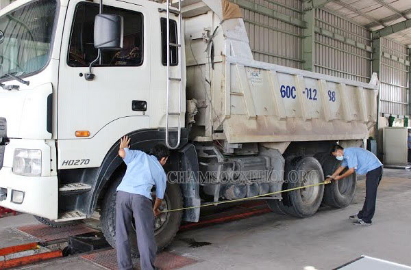 bảo dưỡng xe tải chở hàng