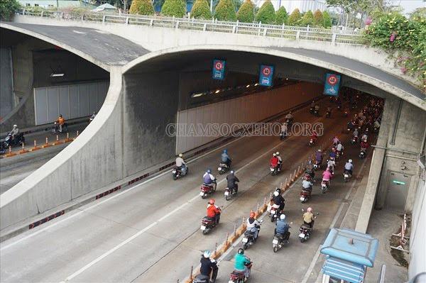 giờ cấm xe tải qua cầu