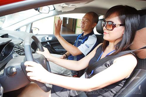 cách lái xe số dễ dàng