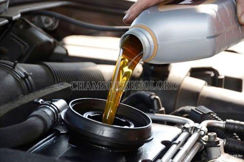 sử dụng dầu trợ lực tay lái