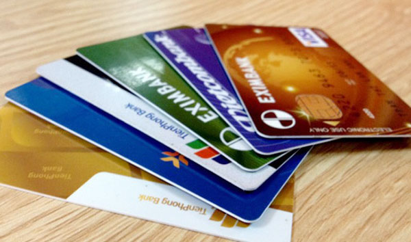 thẻ ngân hàng làm bao lâu