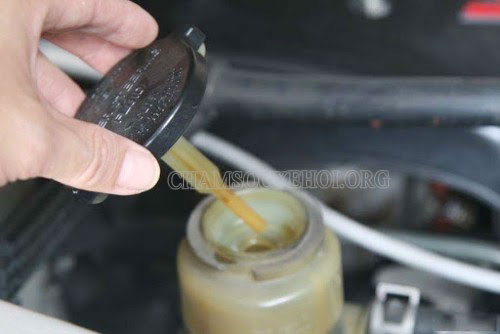 ứng dụng của dầu trợ lực tay lái