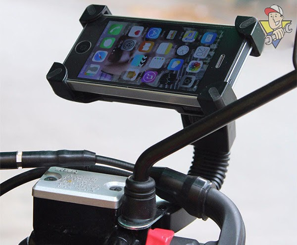 giá đỡ điện thoại xe máy