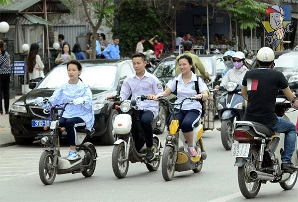 đi xe máy điện có cần bằng lái hay không cần