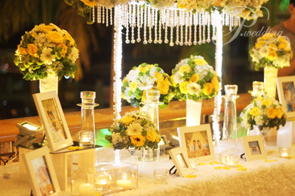 tiệc đám cưới vàng