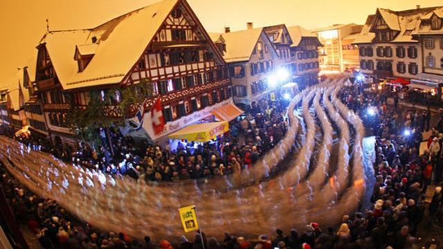 Không khí náo nhiệt trong mùa lễ hội cuối năm tại Thụy Sĩ