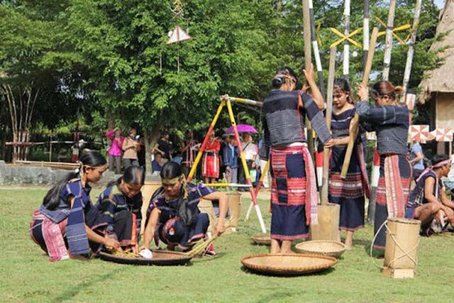 Trải nghiệm các nền văn hóa dân tộc đặc sắc vào mỗi dịp cuối năm