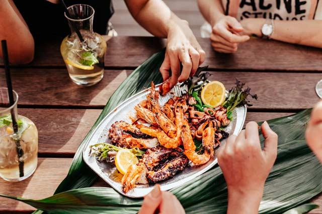 Thưởng thức những món ăn hải sản thơm ngon vào mùa lễ hội cuối năm 2020 tại Miền Nam