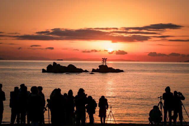 Nhật Bản được biết đến là quốc gia ngắm mặt trời đẹp nhất thế giới